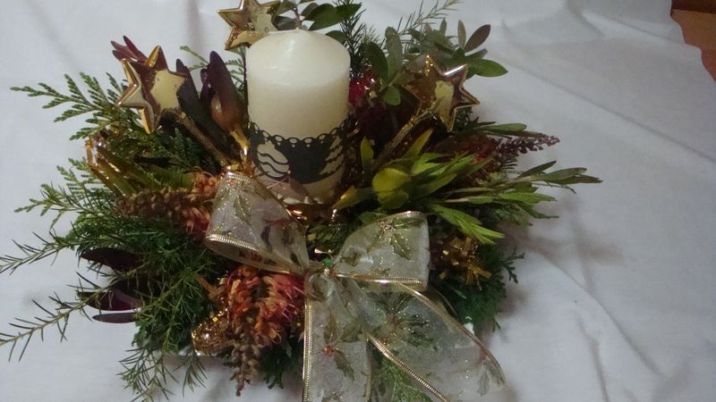 9. Xmas table piece