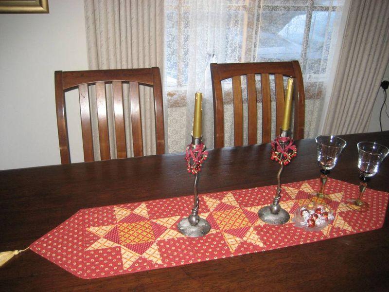 Christmas Table Runner 09 002