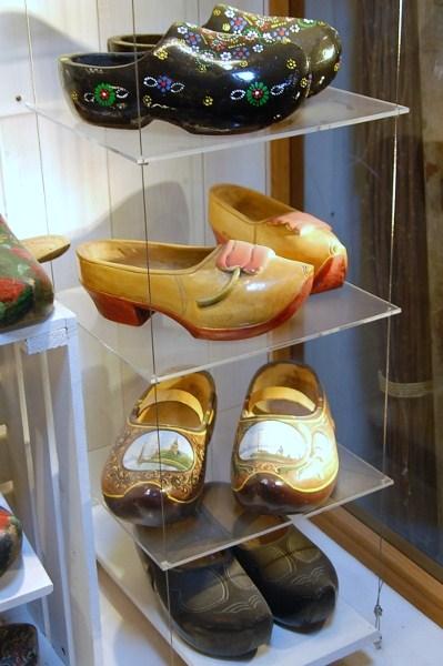 Fashion clogs 1
